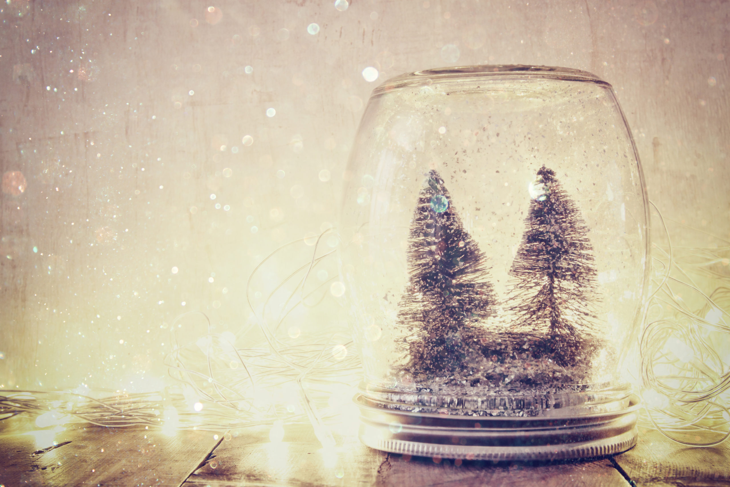6 ways pre-lit Christmas trees make Christmas easier